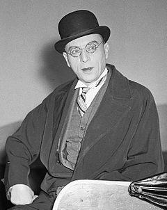 http://upload.wikimedia.org/wikipedia/commons/thumb/0/0b/Louis_Jouvet_1950.jpg/240px-Louis_Jouvet_1950.jpg