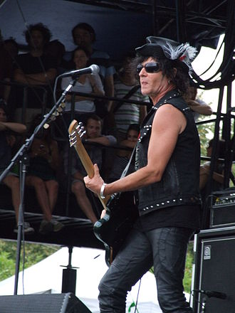 Daniel Ash - Ash at the 2008 Lollapalooza festival.