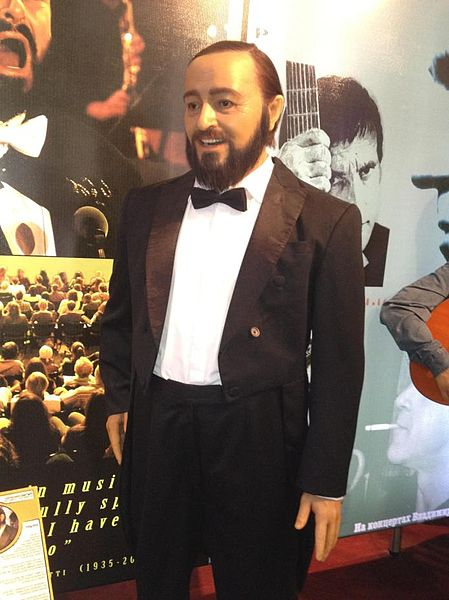 File:Luciano Pavarotti IMAX.JPG