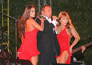 Luis Jara (singer) - Luis Jara offering a concert in February 2009 in Talcahuano, Chile.