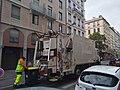 Lyon 7e - Camion de collecte des déchets rue de Marseille 2 (mai 2019).jpg
