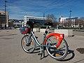 Lyon 7e - Place de l'Exposition Internationale, nouveau e-Vélo'v.jpg