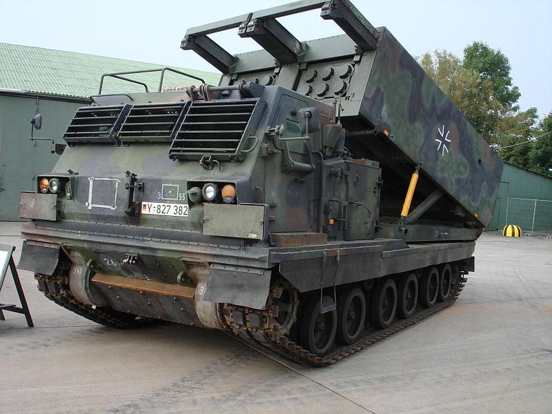 الراجمه الامريكيه M270 800px-MARS_%28MLRS%29_Bundeswehr