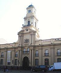 El antiguo Palacio de la Real Audiencia, actual sede del Museo Histórico Nacional de Chile, ha sido testigo de diversos acontecimientos de la Historia de Chile