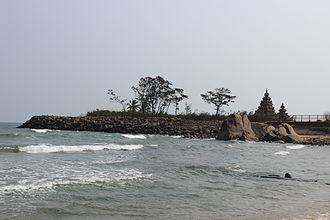 Mamallapuram - Mamallapuram Shore Temple View from beach