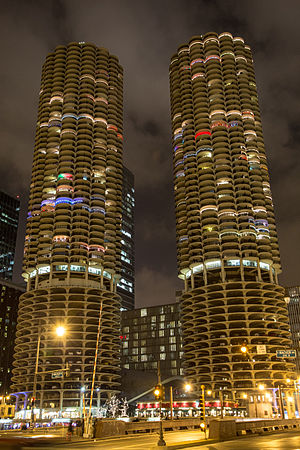 Marina City Chicago 2012-0224.jpg