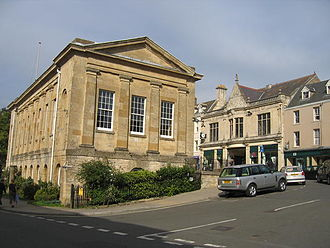 Chipping Norton - Image: Market Hall and the Co op geograph.org.uk 236399