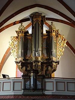 Markuskirche (Butzbach) Orgel 01.JPG