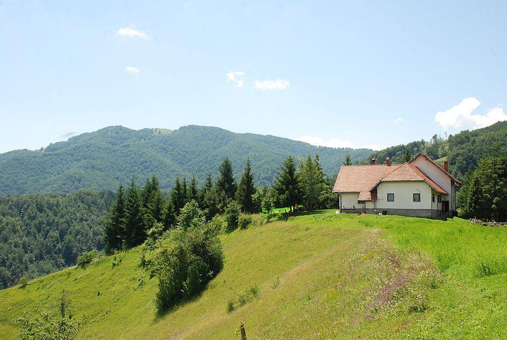 Planinarski dom na Medvedniku, foto: Vladimir Pecikoza / Wikimedia