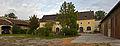 Meierhof mit Umfassungsmauer in Pöggstall - Innenhof.jpg