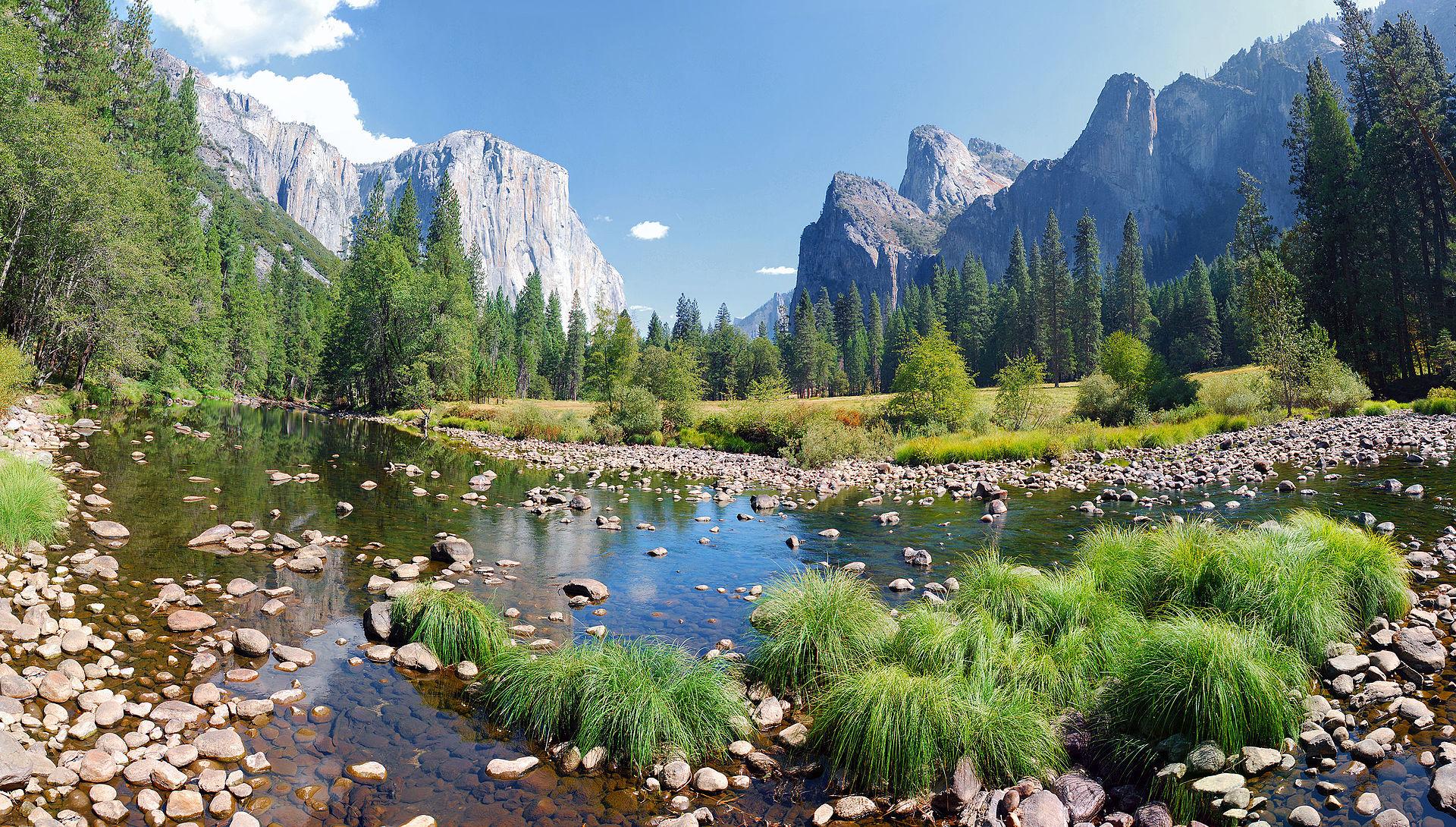 Yosemite Valley from Merced River | photo credit Kylir Horton via wikipedia dot org