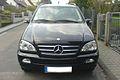 Mercedes-Benz M-Klasse schwarz v.jpg