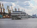 Mikhail Bulgakov on Khimki Reservoir 23-jul-2012 01.JPG
