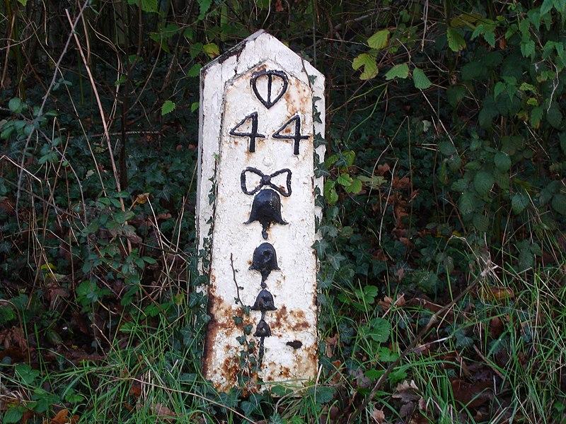 Milepost 44 (4163246734).jpg