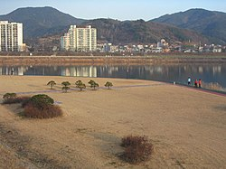 Miryang riverwalk.jpg