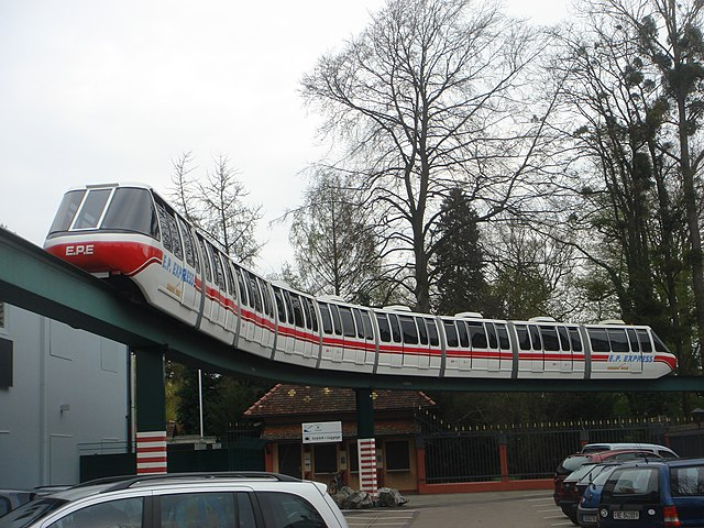 [Walt Disney World Resort] Transportation System - Services de transport 640px-Monorail_Europa-park