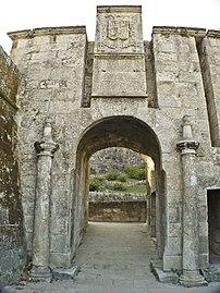 Monterreal - Baiona Porta.JPG