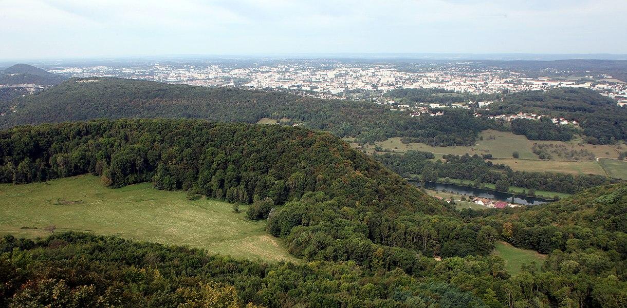 Vue depuis le belvédère de Montfaucon (Doubs).