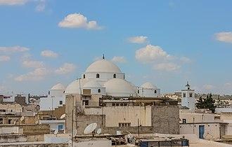 Sidi Mahrez Mosque - Image: Mosquée de Mohammed Bey 11