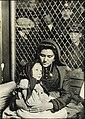 Mother and child, Ellis Island, 1907.jpg