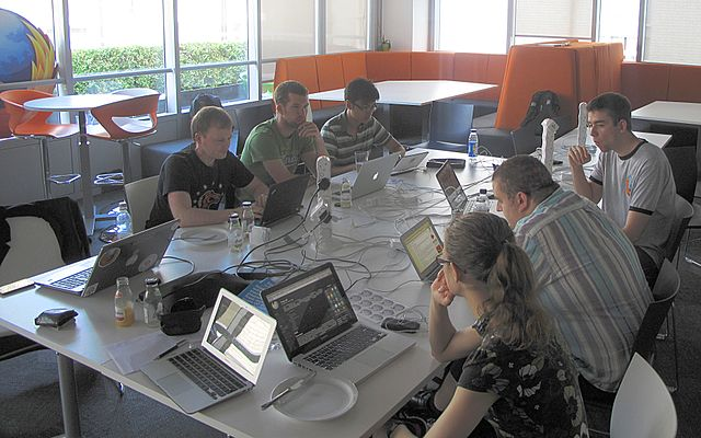 Wikipedians and Mozillians enjoying their editathon