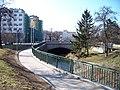 Náměstí Dr. Václava Holého a Elsnicovo náměstí, betonový most přes Rokytku a palác Svět.jpg