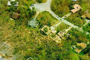Tornado outbreak of April 6–9, 1998 - Severe damage in a neighborhood in Dunwoody