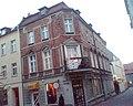 Na rogu ulic Jaronia i Reymonta przy rynku w Olesnie - panoramio.jpg