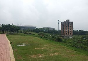 Holdout (real estate) - A holdout near Shenzhen North Railway Station in 2016
