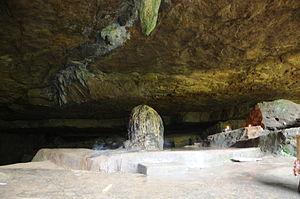 Mawsynram - Image: Nature made Shivalinga in Mawjymbuin Cave Mawsynram Meghalaya India