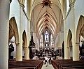 Nef de l'église de Remiremont.jpg