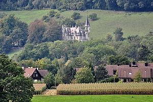 Neftenbach - Image: Neftenbach Schloss Wart mit Nebengebäuden und Park, Wartgutstrasse 80 in Neftenbach Neftenbach Winterthurerstrasse 2011 09 11 14 34 02