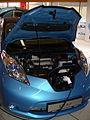 Nissan Leaf Motorraum Ladeanschluss offen.JPG