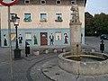 Odmalowany blok przy placu na Odrzańskiej - panoramio.jpg