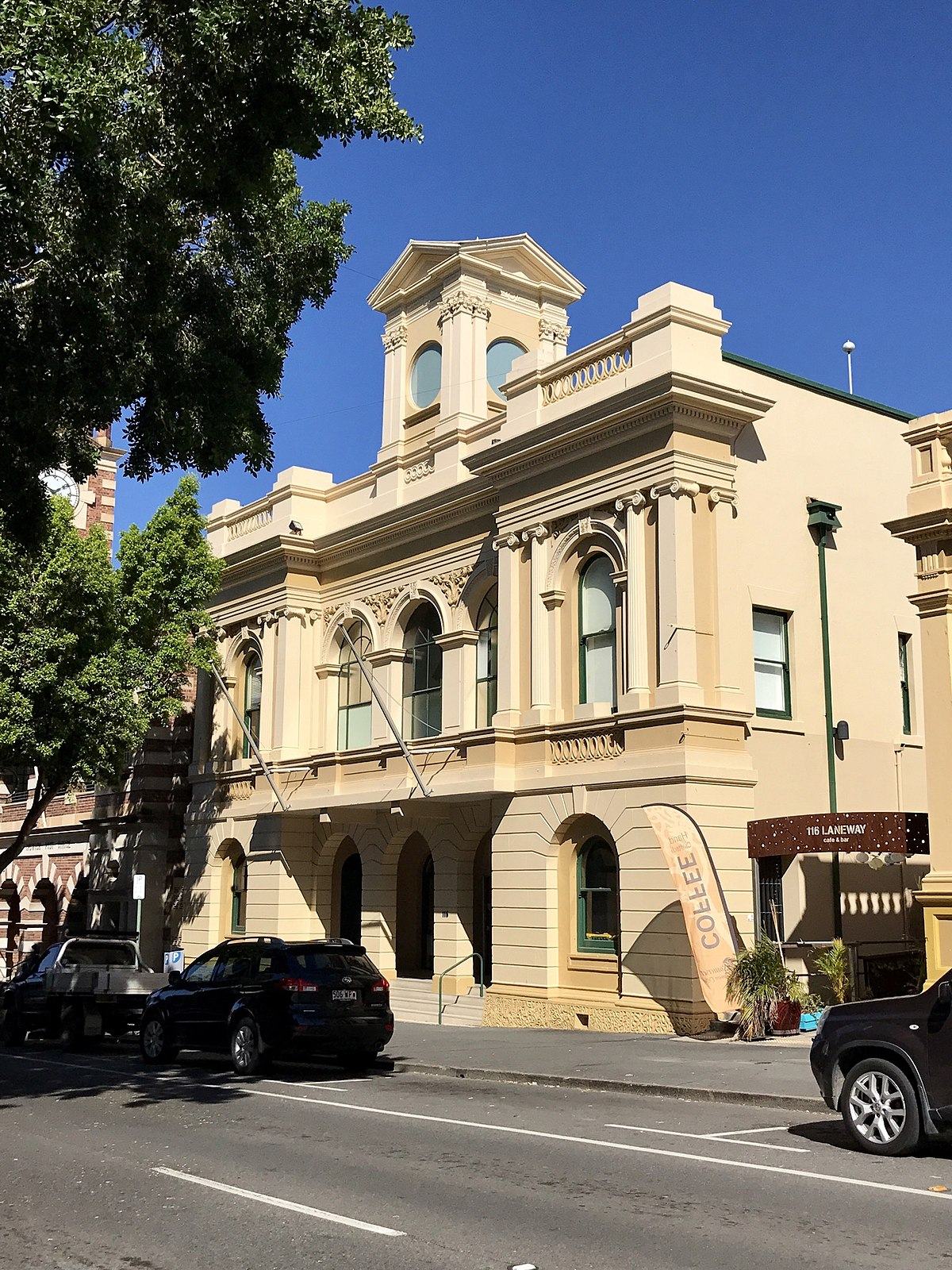 Old Ipswich Town Hall - Wikipedia