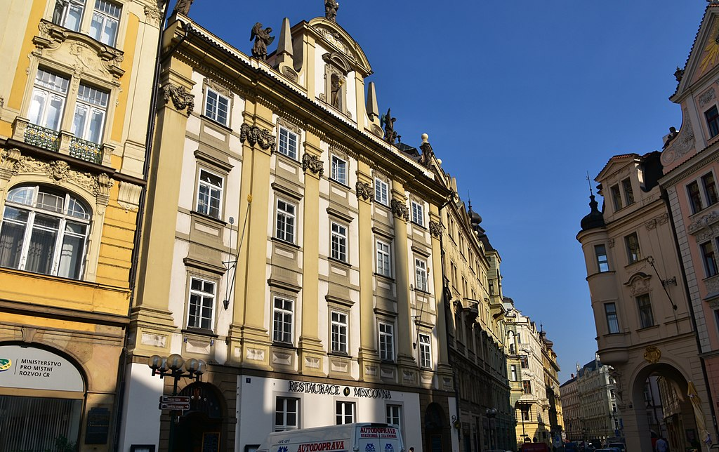 Old Town Square, Prague (108) (26204907281)