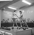 Opening najaarsbeurs, jongedames demonstreren rolschaatsen, Bestanddeelnr 911-5920.jpg