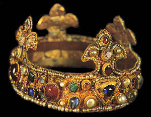 Essen Crown - The crown in the Essen Cathedral Treasury, with the saphire at front