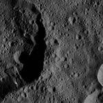 PIA20669-Ceres-DwarfPlanet-Dawn-4thMapOrbit-LAMO-image89-20160325.jpg