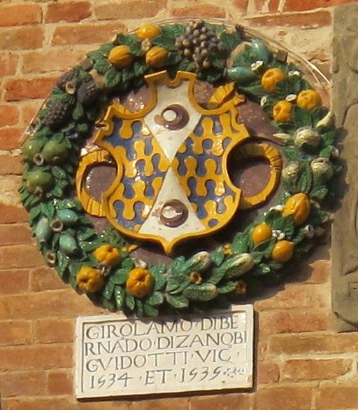 Palazzo vicariale di certaldo, facciata, stemma Guidotti
