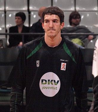 Pau Ribas - Ribas warming up with Joventut Badalona