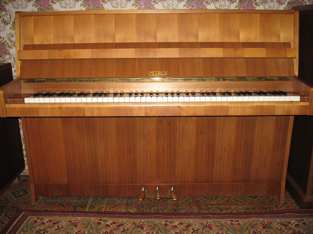 File petrof upright wikimedia commons for What are the dimensions of an upright piano