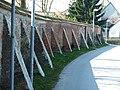 Pfeiler für die alte Mauer - panoramio.jpg