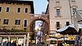 Piazza delle Erbe Verona 6.jpg