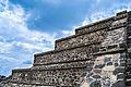Pirámide pequeña Teotihuacán.jpg