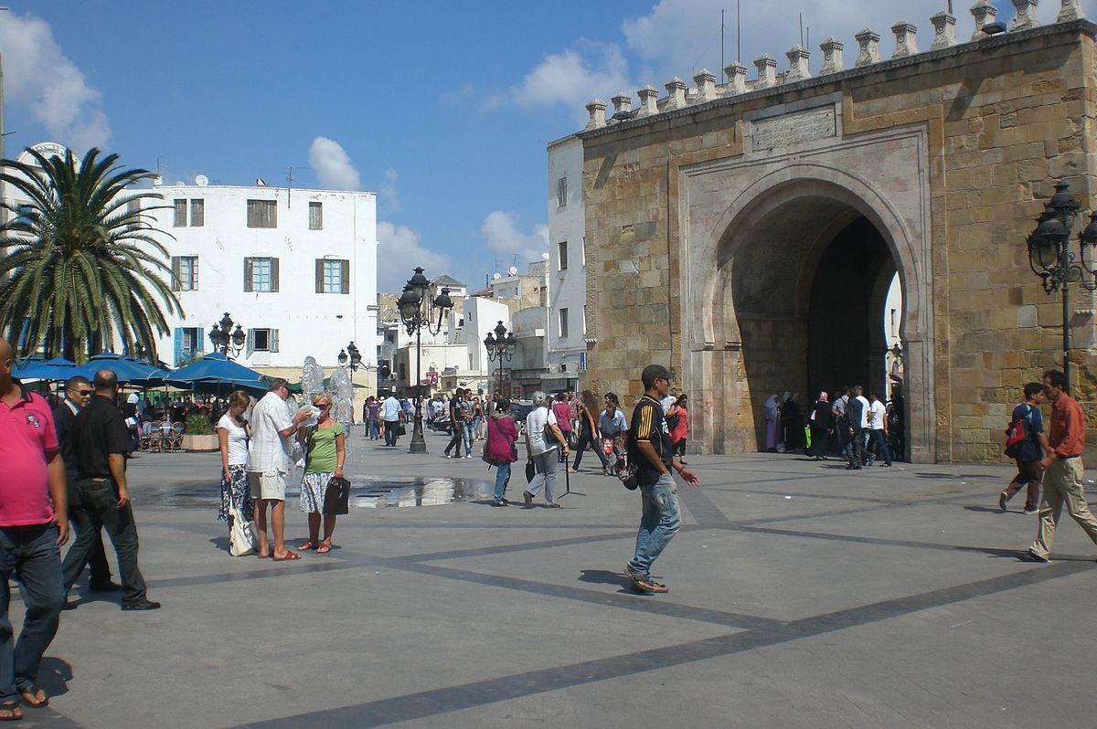 Place de la victoire tunis wikip dia for Porte de garage tunisie