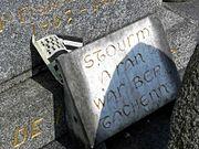 epitaphes bretonnes 180px-Plaque-tombale6442