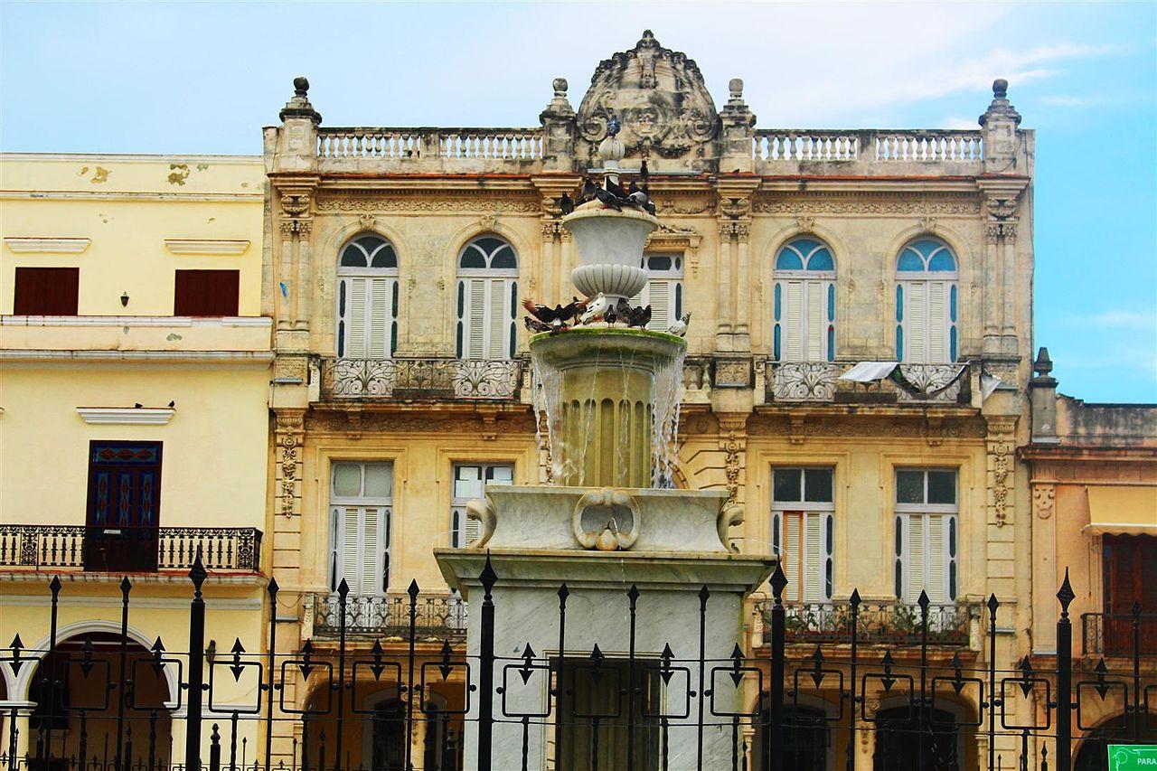 File:Plaza Vieja. Habana Vieja, La Habana, Cuba. Agosto de ...