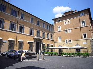 Via dei Coronari - Palazzo Lancellotti (to the left), with the fountain from Piazza Montanara placed at the center of the Piazzetta di S. Simeone