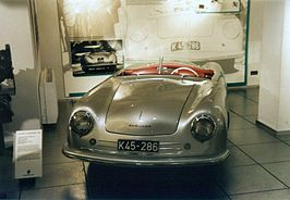 Porsche No. 1 Type 356 in het Porsche-museum